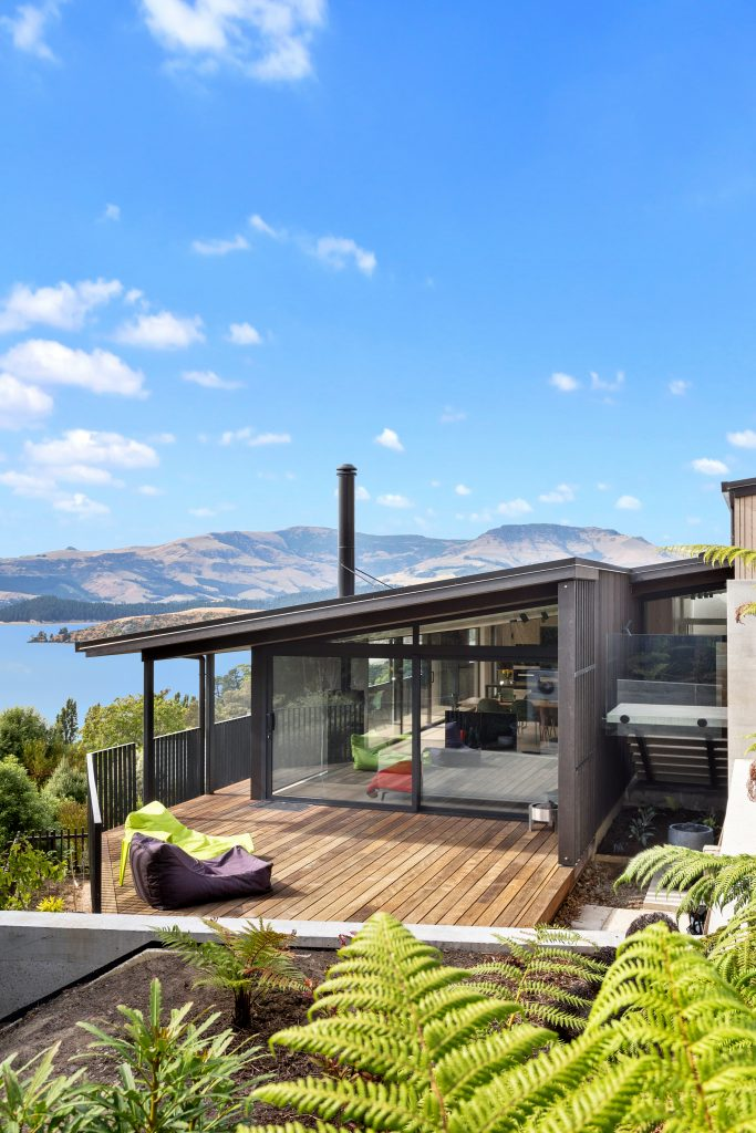 Fleetwood Construction, Registered Master Builders, Christchurch, Governors Bay, House of the Year, New Build, Sheppard and Rout Architects, Architectural Build, Lyttelton Harbour Views, Outdoor living, Deck,